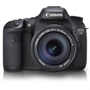 Canon EOS 7D 18 MP CMOS DSLR Camera 18-135mm