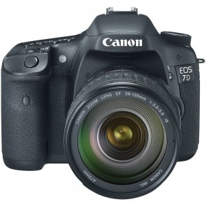Canon EOS 7D 18 MP CMOS Digital SLR Camera 28-135mm