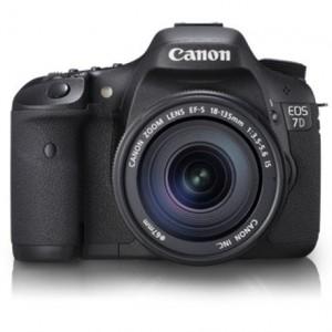 Canon EOS 7D 18 MP CMOS DSLR Camera 18-135mm